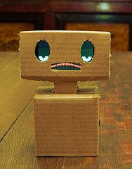 Friendly robot via Flickr user langfordw